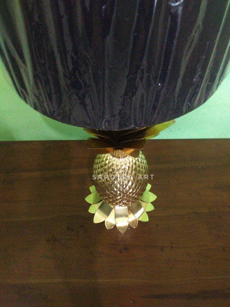 pengrajin lampu duduk kuningan