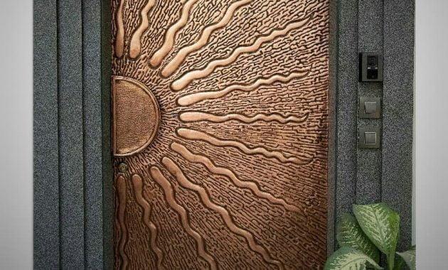 Kerajinan Pintu Tembaga