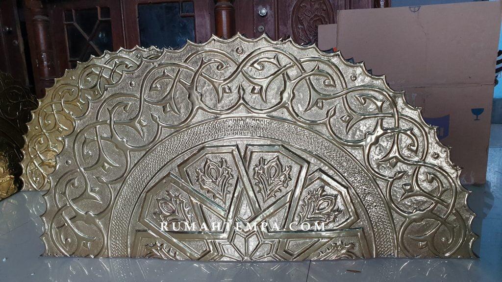 Ornamen Pintu Nabawi Kuningan