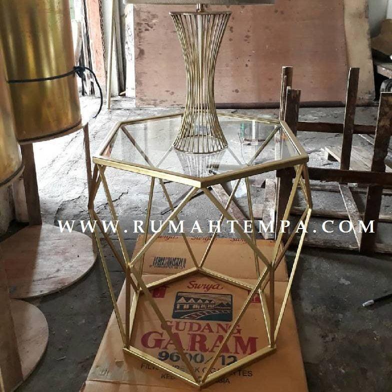 kerajinan meja kuningan