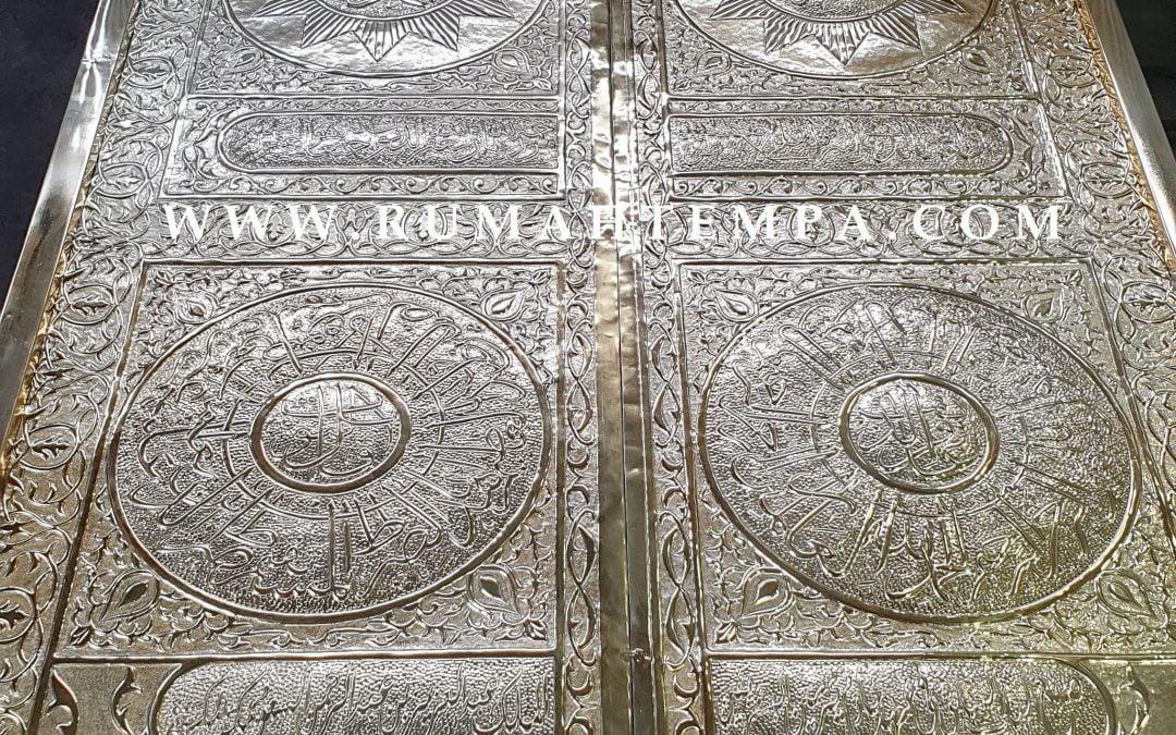 Pintu Ka'bah Kuningan