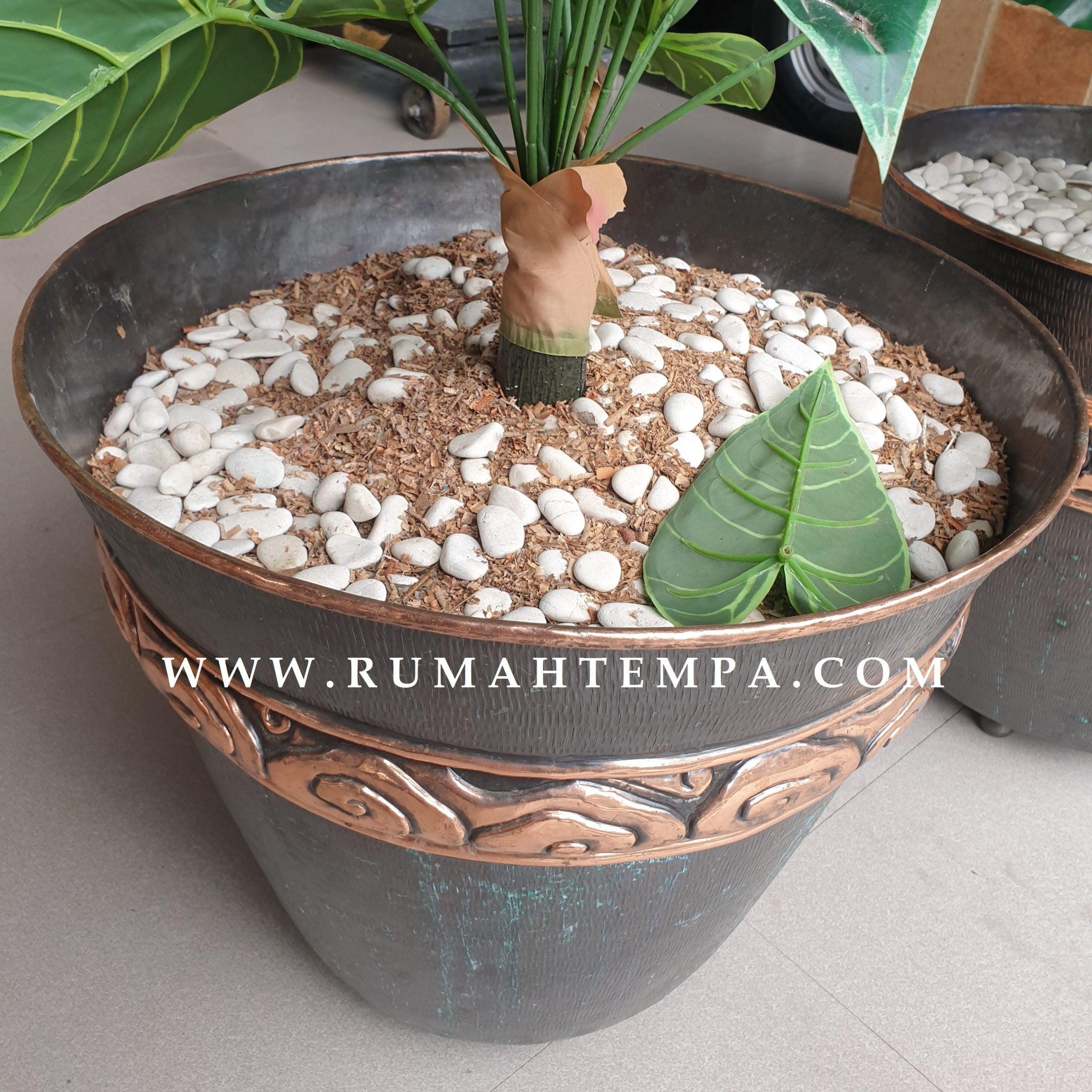 Vas bunga tembaga