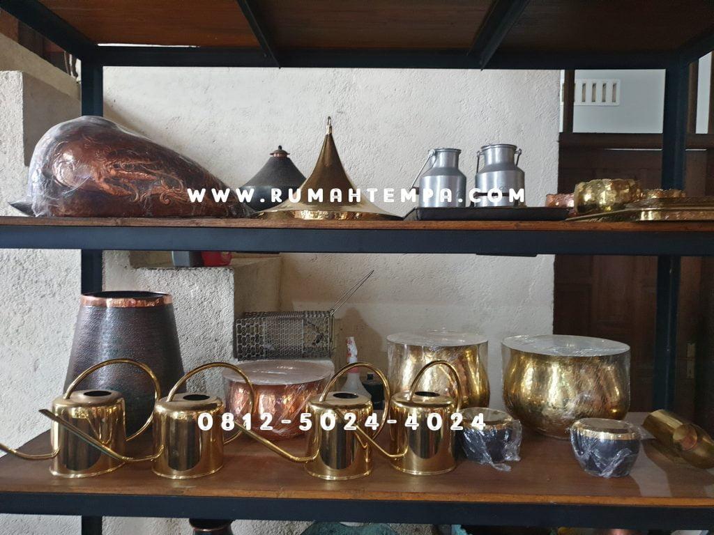 showroom kerajinan tembaga