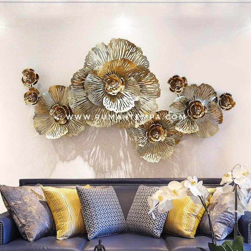 wall decor logam kuningan