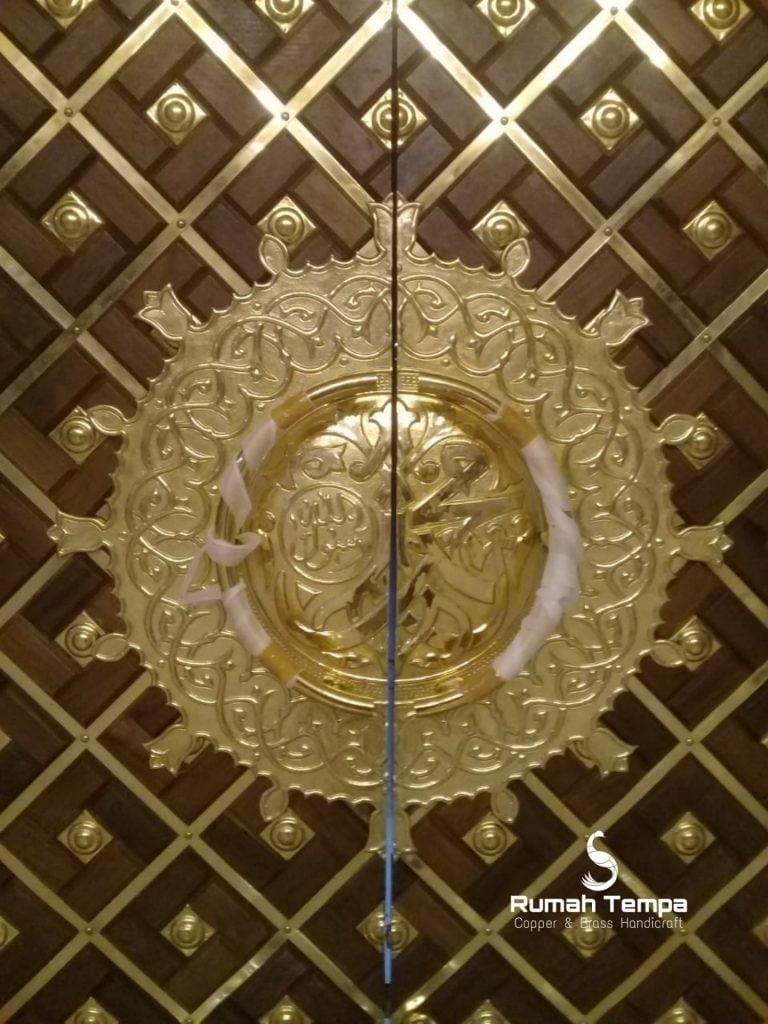 ornamen pintu nabawi