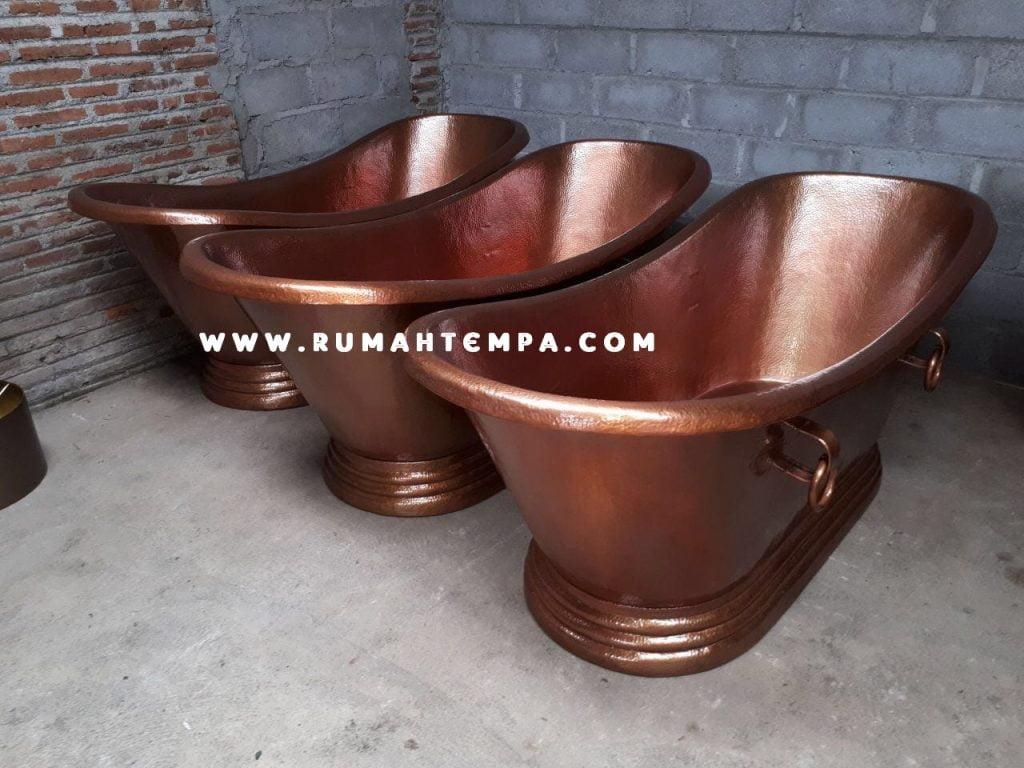 pengrajin bathtub tembaga