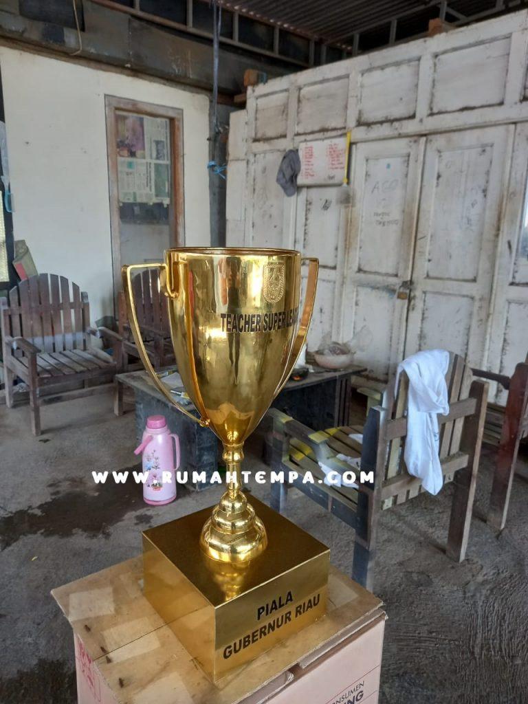 trophy piala kuningan custom