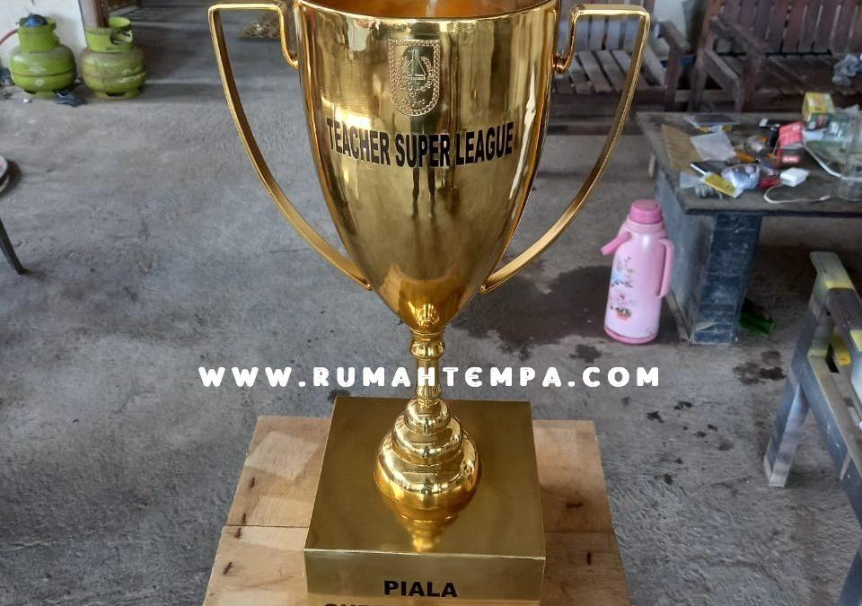 Piala Kuningan Custom
