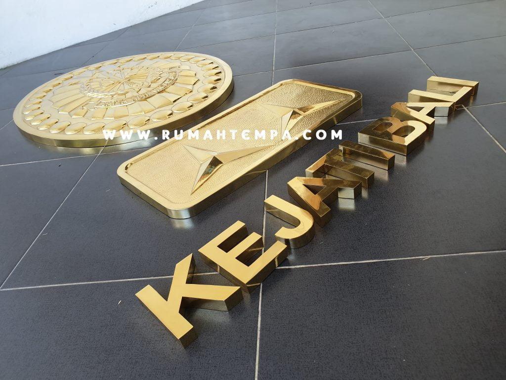 logo letter kuningan